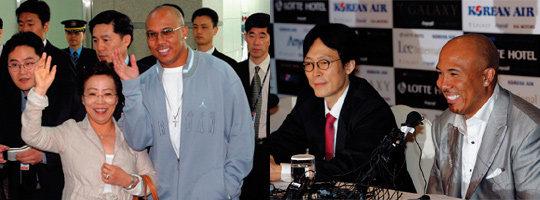 29년 만에 어머니와 한국 방문한 '미국 슈퍼볼 영웅' 하인스 워드