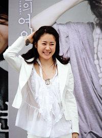 홍상수 감독의 영화로 스크린 데뷔하는 고현정