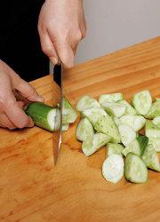초여름 입맛 돋우는 색다른 찌개,  오이감정