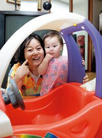 인공수정으로 낳은 두 살배기 딸 키우는 이경애의 '행복 육아일기'