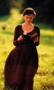 제인 오스틴의 18세기 명작 소설을 역동적인 카메라로 담아낸 '오만과 편견'