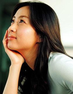 순수미인 송윤아의 뷰티케어