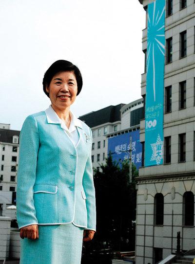 '따뜻한 리더십 갖춘 21세기 인재로 아이 키우기'