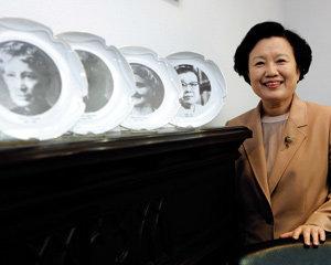 이화여대 이배용 총장이 들려주는 '따뜻한 인성과 전문적 지식 갖춘 리더로 아이 키우기'