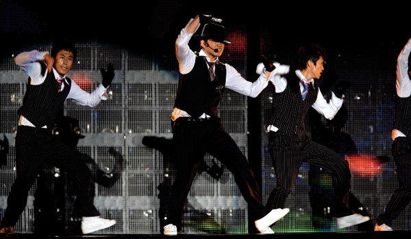 미국 진출 앞두고 아시아 13개국에서 대형 콘서트 여는 가수비