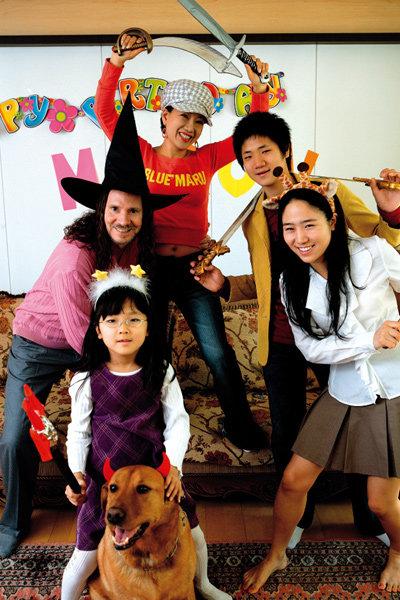 아이 셋 둔 싱글맘과 외국인 총각으로 아름다운 사랑 꽃피운~미니박·짐 하버드 부부