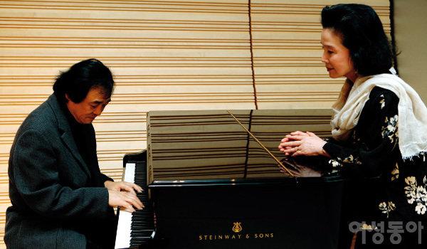 새 음반 발매 기념 독주회 맞춰 나란히 한국 찾은 백건우 ·윤정희 부부