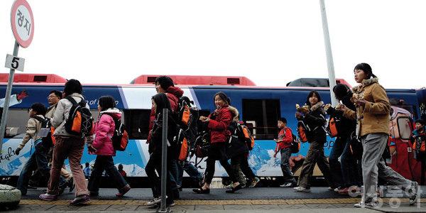 어린이들의 꿈과 희망 싣고 떠난 동시가 흐르는 기차여행