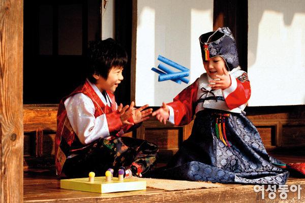 재활용품으로 만든 전통놀이 장난감