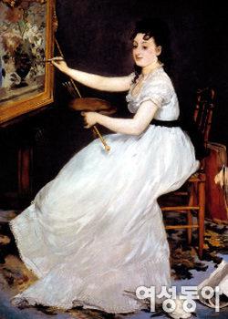 창작의 즐거움에 빠진 여성 화가를 그린 '에바 곤살레스'