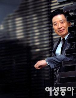 드라마 '하얀 거탑'에서 탄탄한 연기력으로 주목받는 이정길