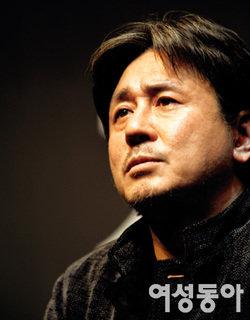 연극 '필로우 맨'으로 7년 만에 무대 서는 최민식