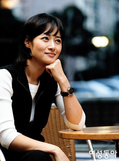 출산 10개월 만에 복귀, MBC 주말 '뉴스데스크' 단독 진행 맡은 김주하 앵커
