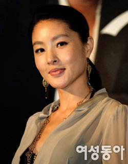 데뷔 18년 만에 첫 출연한 영화 개봉 맞아 한국 찾은 박지영