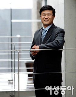 '마법천자문'으로 에듀테인먼트 바람 일으킨 북21 김영곤 대표