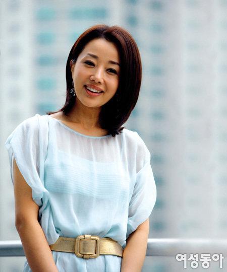 한국 안방극장 복귀한 윤손하가 처음 공개하는 신혼생활