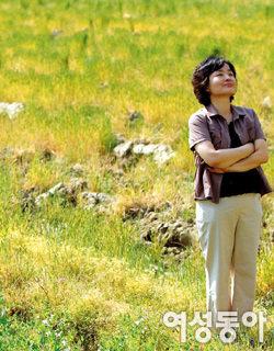 허구의 세계 다룬 소설 '반야'로 호평받고 있는 주부작가 송은일