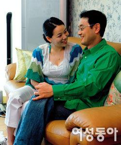 시련 딛고 가정 꾸려 남다른 행복 느끼는 개그맨 권영찬·김영심 부부