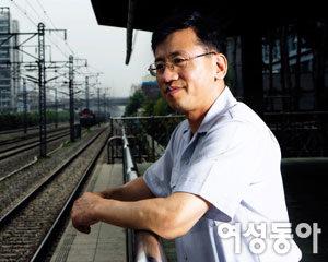 장애 딛고 수도권 전철 역장으로 승진한 '아름다운 철도원' 김행균