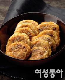 아삭아삭~ 잘 익은 김장김치로 만든 별미 요리