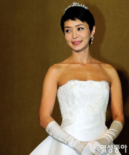 한 살 연상 사업가와 결혼한 김혜리