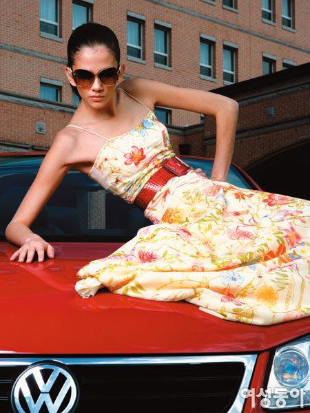 디자이너 2인의 봄 유행 컬렉션