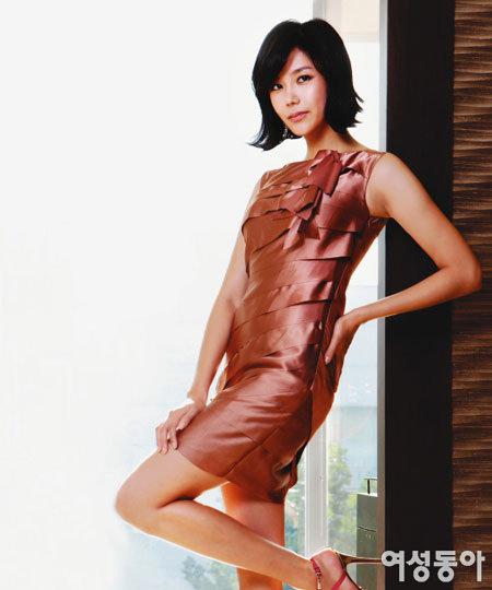 아름다움 위해 끊임없이 노력하는 그녀 Hwang in-young