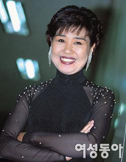 오랜 잠적 끝에 활동 재개한 트로트 가수 김지애