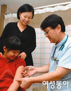 사춘기 아이가 꼭 맞아야 할 필수 예방접종