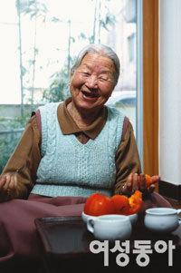 """""""오래 살고 싶다면  적게 먹고 많이 웃어라!"""""""