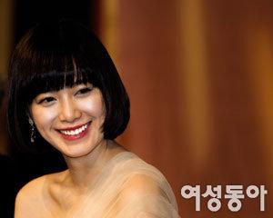 '완소남' 4인방에 둘러싸인 구혜선 행복한 비명