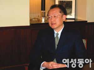 한국인 최초 미국 아이비리그 다트머스대 총장 된 김용 박사