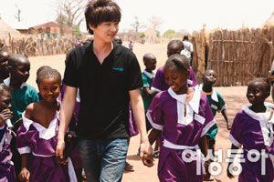 '아름다운 남자' 원빈 아프리카 방문기