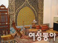 아이 손잡고 문화원으로 해외여행