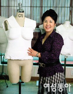속옷 고정관념 깬 디자이너 박명복 인생 실루엣
