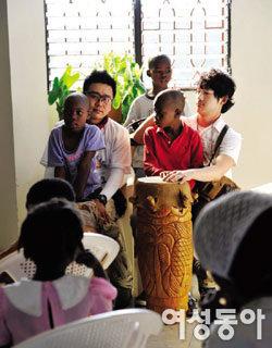 세상 떠난 아들 대신 아이티 아이들 품은 이광기 아름다운 父性