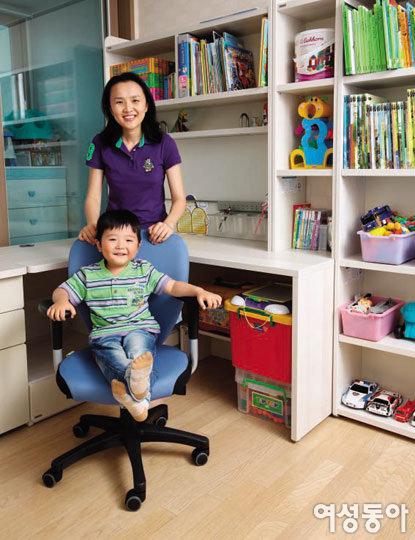 가족 사랑 듬뿍 담긴 재윤이의 공부방