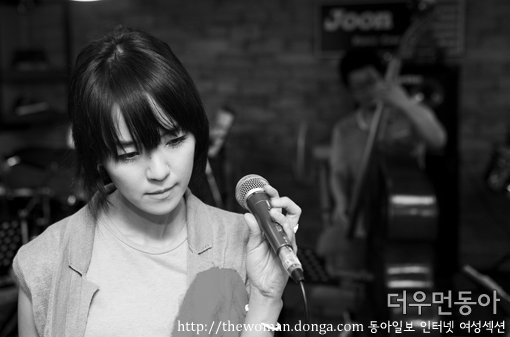 솔로 3집 낸 김윤아 더우먼동아 단독 인터뷰