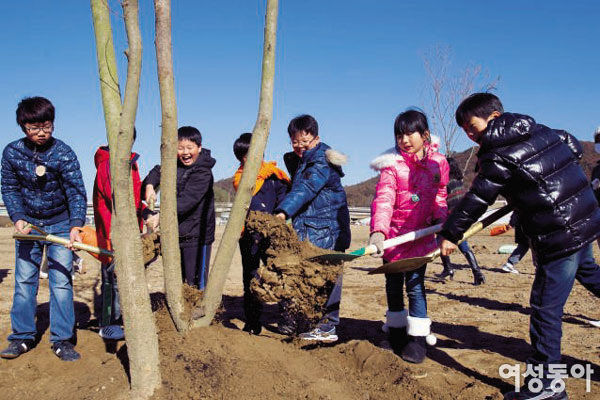 국토해양부 '남한강변 생태숲 가꾸기'