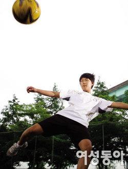 한국의 '메시' 꿈꾸며 FC 바르셀로나 유소년 축구 팀 입단 이승우 선수와 가족 이야기
