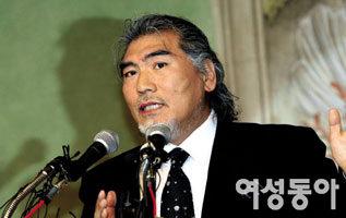 """""""지난해 나훈아가 먼저 협의이혼 신청, 부동산 저당권 설정도"""""""