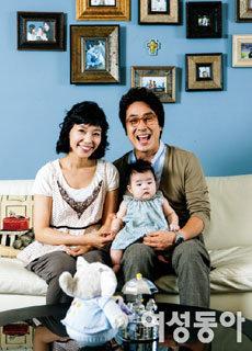 딸 민이 품은 김한석·박선영 부부