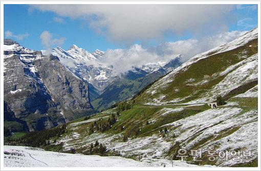 """'이웃집블로거 빌시' 이진형의 소소한 유럽 이야기 """"아름다운 설경이 눈부신 유럽의 지붕, 스위스 융프라우요흐 가는 길…"""""""