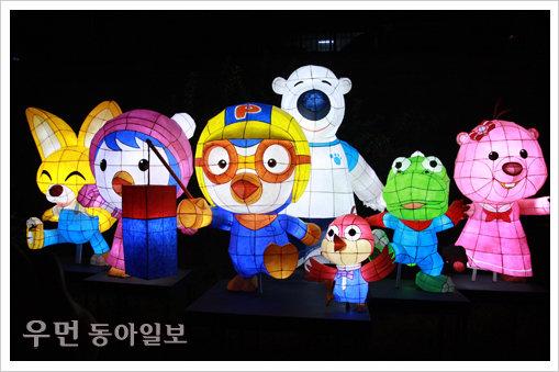 청계천의 가을 밤 즐기기 '2012 서울등축제'