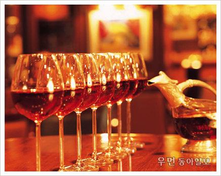 다가오는 연말 파티, 호텔 와인 뷔페에서 즐기기 3
