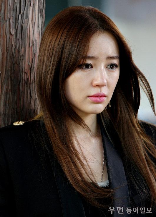 강렬한 원 포인트! '보고싶다' 윤은혜의 비비드 립 메이크업 레슨!