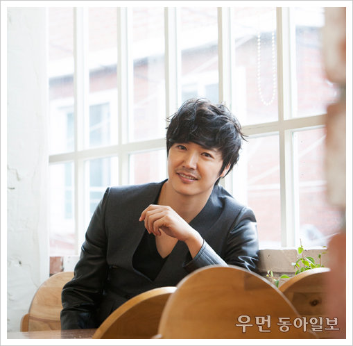 映画「音痴クリニック」でスクリーンデビューを果たしたユン•サンヒョン、「私は第六感で演技する俳優」