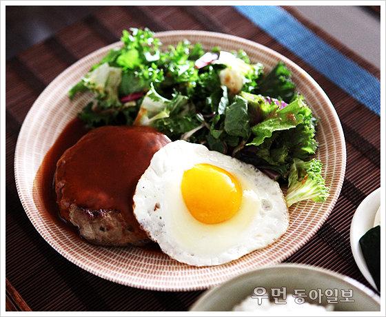 외식보다 더 맛있는 홈카페 요리 '머시룸 햄버그스테이크'