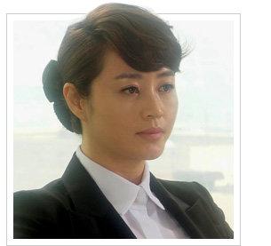 비즈니스 라이프 코치 김경화의 패션 전략 ③ '직장의 신' 김혜수의 당찬 오피스 룩 스타일링에 주목하라!