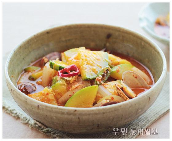 오동통한 조선호박으로 끓인 '호박 새우젓찌개'
